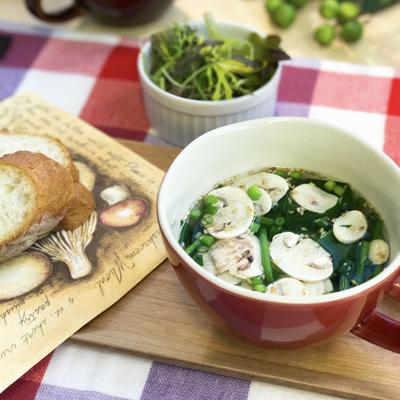 ひらひらマッシュルームの簡単朝食スープ