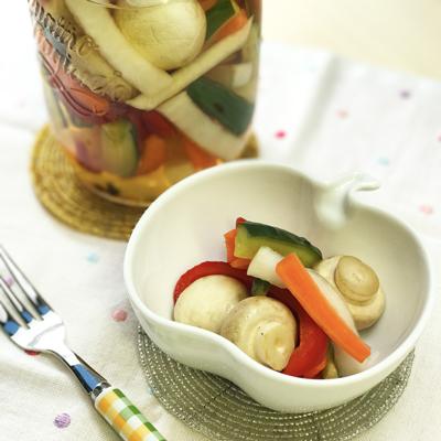 マッシュルームと野菜のピクルス