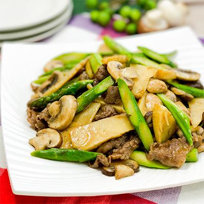 マッシュルームと春野菜の牛肉オイスター炒め